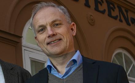 Dette er Harald Frigstad - 25 år i bilbransjen