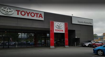 Nær 10 millioner til Toyota-forhandlere